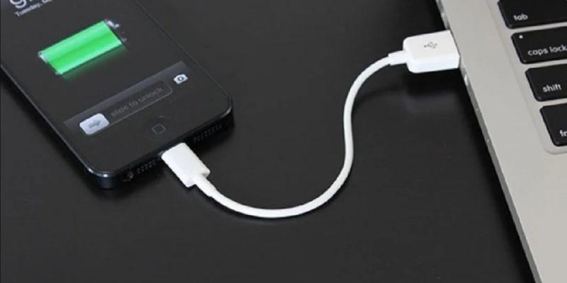 телефон подключенный к ноутбуку